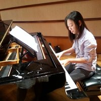 12 years experienced piano teacher and two years orchestra pianist experience playing